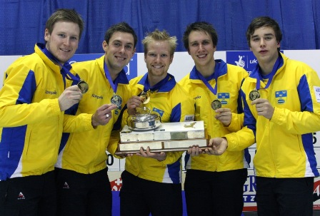 Swedes with trophy